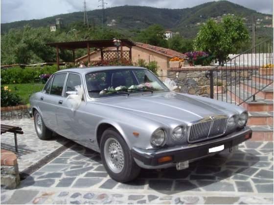 Il giorno del matrimonio, si sa, è lecito fare pazzie una volta nella vita viaggiamo Jaguar