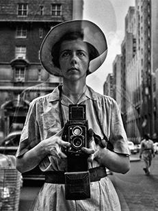 Le straordinarie fotografie di Vivian Maier al Palazzo Ducale, Una fotografa ritrovata