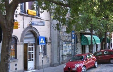 Il bar Bertoli di piazza Manin è aperto a qualsiasi ora del giorno e della notte