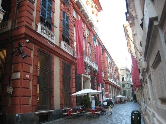 Gli splendori di via Garibaldi, la Strada Nuova. Rubens Van Dyck e Van Eyck a Palazzo Rosso