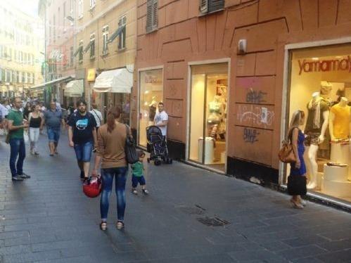 Il fascino discreto di via San Vincenzo meta dei genovesi che se ne intendono