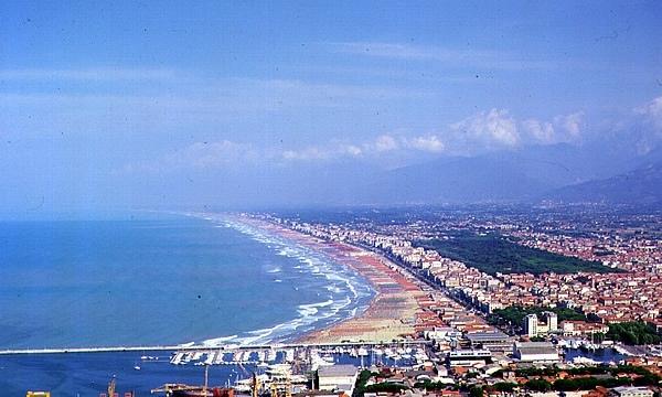 Dove fare una vacanza non troppo lontano dalla Liguria, perché la Versilia e Viareggio