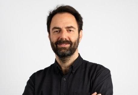 Neri Marcorè in Quello che non ho con Giua P. Guarracino V. Sturlini