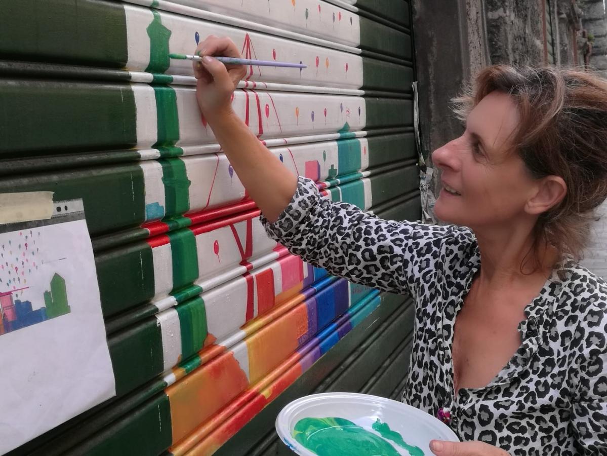 Via Buranello: come una galleria d'arte. Artisti riempiono Sampierdarena di colori