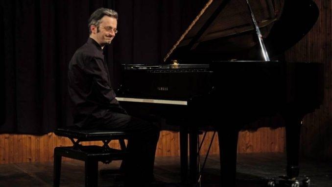Andrea Bacchetti suonerà per Ilaria. Il ricavato del concerto andrà per la ricerca