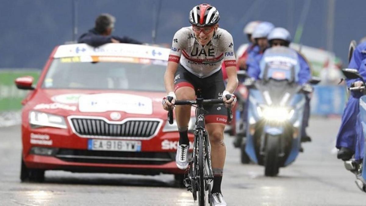 Sentenze al Tour, sui Pirenei Yates perde terreno, vince Pogacar e Roglic è in giallo