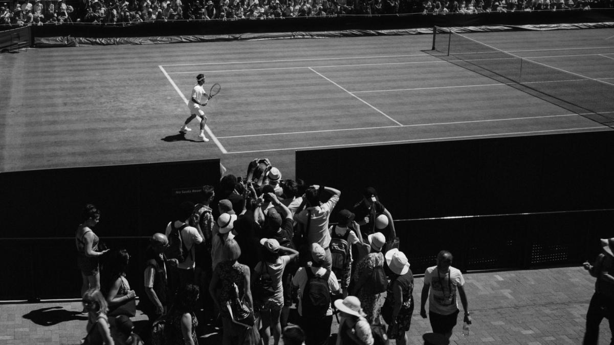 Roger Federer spiazza i tifosi. Il Tennista Svizzero torna a far parlare di se